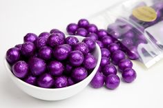 If you're seeing purple then you may have reached the end of the rainbow! Include these shiny foiled milk chocolate balls on your rainbow themed candy buffet for an elegant touch!