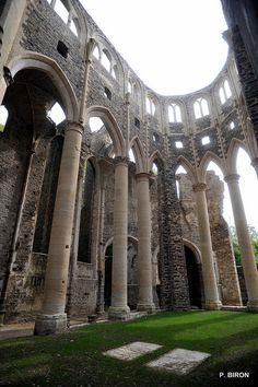 L'abbaye cistercienne de Hambye. Une ruine presque aussi impressionnante que Jumièges.