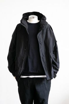 Mature Mens Fashion, Outfits Hombre, Winter Fashion Outfits, Urban Fashion, Men Casual, Fashion Design, Crew Neck, How To Match Clothes, Clothes For Men