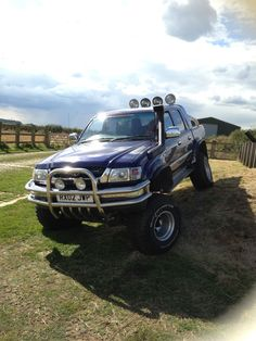 2002 TOYOTA HILUX DOUBLE CAB 270 VX 4WD BLUE MONSTER TRUCK   eBay