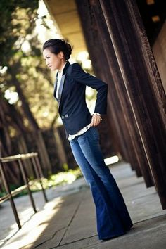 FLARED JEANS on #homeanddelicious... for more photos go to:  http://homeanddelicious.blogspot.com/2015/02/flared-jeans-part-i.html