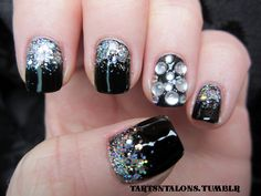 cool nail art idea, many different color variations running through my head