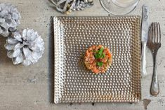 Tartar de salmón ahumado y aguacate, una receta ideal para cualquier celebración. #cocinaespañola #recetasdecocina