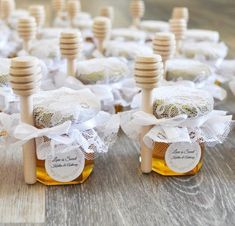 Hochzeits-Favors-Party Favors image 3 favors diy for guests 25 Honey Jar Favors 2 oz. Wedding Favors And Gifts, Wedding Favour Jars, Honey Wedding Favors, Creative Wedding Favors, Inexpensive Wedding Favors, Elegant Wedding Favors, Unique Party Favors, Wedding Guest Favors, Wedding Ideas