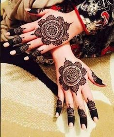 Most Beautiful and Creative Henna Designs for Girls - Sensod - Create. Beautiful and Creative Henna Designs for Girls Round Mehndi Design, Rose Mehndi Designs, Henna Tattoo Designs Simple, Mehndi Design Pictures, Modern Mehndi Designs, Mehndi Designs For Girls, Henna Art Designs, Mehndi Designs For Beginners, Wedding Mehndi Designs