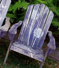 Stenciled Adirondack chairs - idea after painting them (stencil them) Porch Chairs, Outdoor Chairs, Outdoor Decor, Outdoor Projects, Outdoor Ideas, Outdoor Living, Painted Chairs, Painted Furniture, Painted Dressers