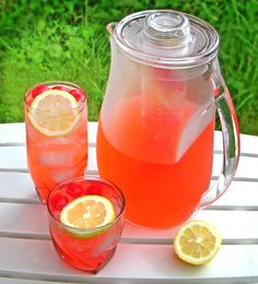 Everyone loves easy recipes and when it comes to drinks, this one for Easy Cherry Lemonade couldn't be better. Cheers!
