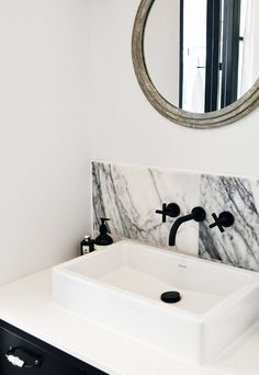 A tour around the light-filled, monochrome home of London-based interior designer Laura Lakin. Barn Bathroom, Bathroom Inspo, Bathroom Inspiration, Home Decor Inspiration, Dream Bathrooms, Beautiful Bathrooms, Black Bathrooms, London Apartment Interior, Dream House Interior