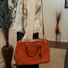 Purse Authentic Michael Kors Bag w/ shoulder and hand straps. Zippers on each side for added storage with snap closure. Comes w / dustbag. Michael Kors Bags Satchels