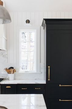 So much yes! - Cabinets Onyx by Benjamin Moore Trim and Shiplap Simply White by Benjamin Moore