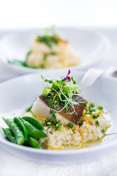 Simple Healthy Fish & Seafood Recipes Seared Black Cod (or halibut, sea bass or scallops) with Meyer Lemon Risotto and Gremolata- a flavorful Italian herb sauce. Fish Recipes, Seafood Recipes, Whole Food Recipes, Cooking Recipes, Easy Delicious Recipes, Yummy Food, Healthy Recipes, Vegetarian Recipes, Black Cod
