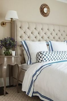 Pretty headboard// And that linen!!