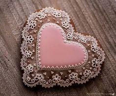 Heart Shaped Cookies, Heart Cookies, Cookies Et Biscuits, Lace Cookies, Royal Icing Cookies, Sugar Cookies, Wedding Sweets, Wedding Cookies, Gingerbread Icing