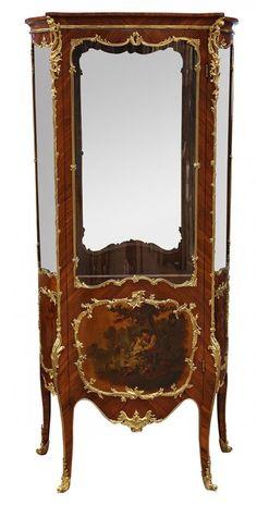 Louis XV style ormolu mounted kingwood vitrine : Lot 6123