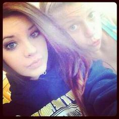 Paige and Brooke totally have the pretty gene! OMG they are beautiful! Brooke Hyland, Dance Moms, Friends In Love, Happy Friday, Sisters, Sad, Dreadlocks, Hair Styles, Pretty
