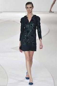 Valentino Spring 2009 Ready-to-Wear Fashion Show - Olga Sherer (NATHALIE)