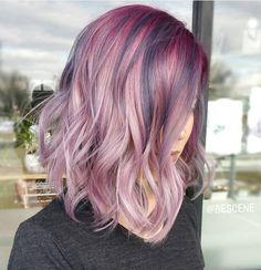 Schulter Länge Frisuren mit Metallic Rose Farbe