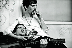 GRAHAM SMITH, TWO MEMBERS OF A BAND FROM DUBLIN CALLED THE RAPPORTS, 2008 © GRAHAM SMITH | L'insensé Photo #photographie