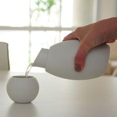 Pour. #ceramic
