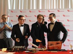 DJs AndrewAndrew help the two Mayors spin the ones-and-twos.