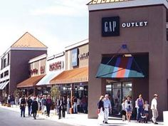 Albertville outlets, Albertville, MN {45 minutes NW of the cities on I94}