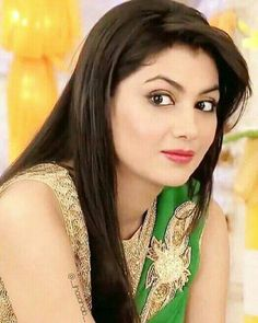 ❤Ah Kalbim Pragya❤ Indian Tv Actress, Beautiful Indian Actress, Beautiful Actresses, Indian Actresses, Bollywood Fashion, Bollywood Actress, Sriti Jha, Open Hairstyles, Kumkum Bhagya