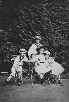 The four oldest children of the Crown Price and Crown Princess of Prussia: Prince Henry, Prince Wilhelm, Princess Charlotte and Princess Victoria Victoria Kids, Queen Victoria Children, Queen Victoria Prince Albert, Victoria And Albert, Princess Victoria, Victoria's Children, Vintage Children, Queen Victoria Descendants, Descendants