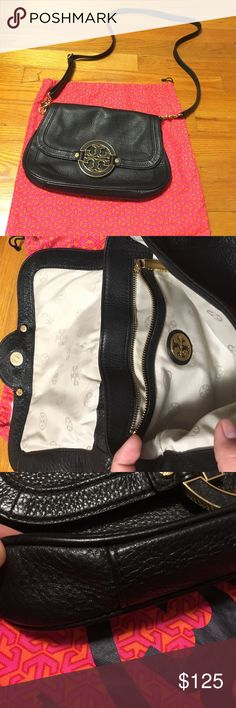 EUC AUTHENTIC Tory Burch Amanda crossbody bag EUC AUTHENTIC Tory Burch Amanda crossbody bag. NO wear on the bottom corners. Adjustable and removable shoulder strap. Includes dustbag. Bag is roughly 11 inches long by 7.25 inches high Tory Burch Bags Crossbody Bags