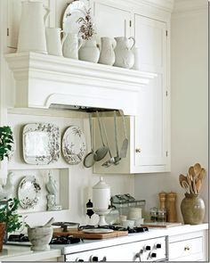 Dan Carithers via Cote De Texas - charming beautifully styled white kitchen with transferware Cottage Kitchens, Home Kitchens, Country Kitchens, Dream Kitchens, Traditional Kitchen, Traditional House, New Kitchen, Kitchen Decor, Quirky Kitchen