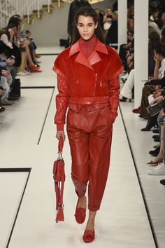 TOD'S  ~   Fall '17   -   RTW.  ~ ***(without any real fur...⚠️)