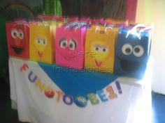 Sesame street favor bags loot bags  Sorpresas de Plaza sesamo Guatemala   https://www.facebook.com/labarradulce