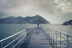 Donostiako nautikoa neguan. Nautico de San Sebastián en invierno. Basque Country, Places To Visit, Sun, City, Saints, Houses, Picture Wall, Hotels, Live