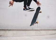 headcannon: kuroo skateboards in his free time