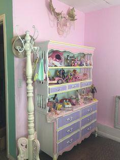 Kelly Eden (@kellyeden)   Twitter Pastel Room, Pastel House, Room Ideas Bedroom, Bedroom Decor, My New Room, My Room, Kawaii Bedroom, Cute Furniture, Otaku Room