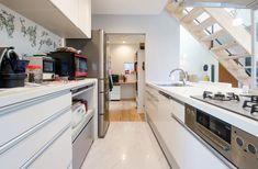 日々進化する住宅設備のおかげで、わたし達の暮らしは大変便利なものになりました。 しかし、住宅設備のなかには、設… Kitchen Island, Kitchen Cabinets, Yahoo, Home Decor, Island Kitchen, Decoration Home, Room Decor, Cabinets, Home Interior Design