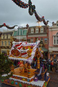 Sugar & Spice Float in Disney's Christmas Celebration Parade, Disneyland Paris