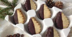 Blog o pečení všeho sladkého i slaného, buchty, koláče, záviny, rolády, dorty, cupcakes, cheesecakes, makronky, chleba, bagety, pizza. Sweet Desserts, Sweet Recipes, Christmas Treats, Christmas Cookies, Czech Recipes, Cookie Designs, No Bake Cookies, Mini Cupcakes, Baked Goods