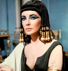 Elizabeth Taylor as Cleopatra #liztaylor #celebrity #celebrities #cinema #hollywood - Carefully selected by GORGONIA www.gorgonia.it