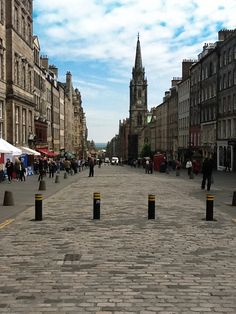The Royal Mile, Edinburgh. Such a great city. We loved it. You cannot go to Edinburgh without walking the Royal Mile