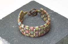 * Free pattern using tiles, rullas and seed beads