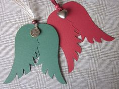 Angel wings made of red and green texture cardstock by SierGoed, €5.95