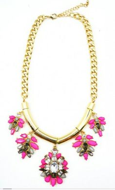 Spitfire Necklace // https://belleboutiquenwa.com/accessories/jewelry/jewel-floral-link-chain-neckla.html #statementnecklace #summerlooks #jewelry #xoxoBelle