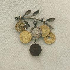 Hilde De Decker brooch