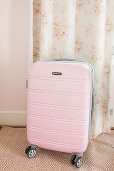 Perfect Pink Carry On Suitcase - Southern Mama Guide Pink Suitcase, Pink Luggage, Cute Luggage, Carry On Suitcase, Luggage Sets, Perfect Pink, Cute Pink, Trip To Colombia, Best Suitcases