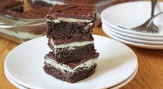 Um mint brownies....yes.  Now who is having some sort of gathering in the near future.  But brownie will obviously be replaced by a recipe from scratch just cuz thats what i do.