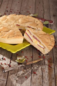Easter Pie, Easter Dishes, Pizzagaina Recipe, Pizza Rustica, Small Pizza, Meat And Cheese, Deep Dish, Antipasto, Pizza Recipes