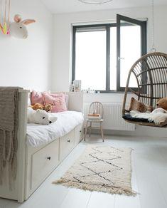 En titt inuti ett nybyggnadshus i Almere Cozy Place, Little Girl Rooms, Diy For Girls, Kidsroom, Interiores Design, Girls Bedroom, Bunk Beds, Baby Room, Home Improvement