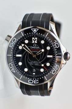 Live Impressions on the New Omega Seamaster Diver James Bond (Specs & Price) Omega Seamaster Diver James Bond Limited Edition watch Omega Seamaster Deville, Omega Seamaster Diver 300m, Omega Speedmaster, Omega Diver, Omega Seamaster James Bond, Seamaster Watch, Dream Watches, Luxury Watches, Cool Watches