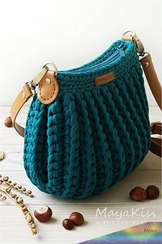 Newest Totally Free Knitted bags free patterns Strategies crochet bags; Crochet Handbags, Crochet Purses, Crochet Bags, Crochet Bag Free Pattern, Knitted Bags, Knit Bag, Macrame Bag, Purse Patterns, Blue Bags