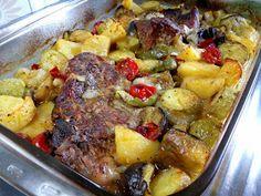 ΜΑΓΕΙΡΙΚΗ ΚΑΙ ΣΥΝΤΑΓΕΣ 2: Μπριζόλες εξοχικό στον φούρνο !!!! Cookbook Recipes, Cooking Recipes, Greek Recipes, Recipies, Veggies, Potatoes, Beef, Meals, Chicken
